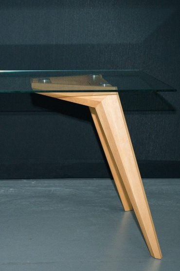 AIR M Table