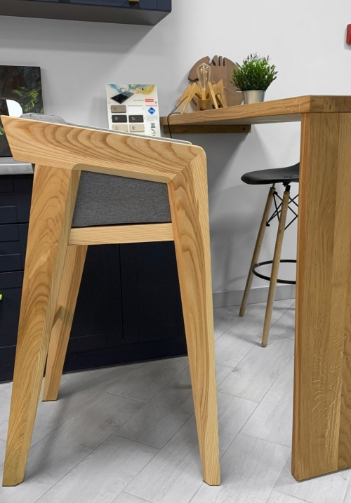 AIR 2 BAR M Stool